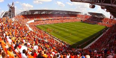 stadium_pinchback3.jpg