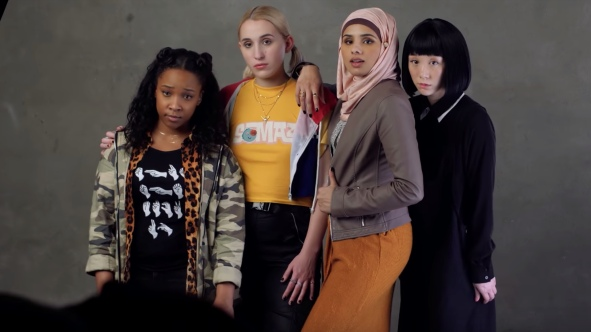 kevin-smith-introduces-the-young-and-diverse-girl-gang-in-new-jay-and-silent-bob-reboot-set-video-social
